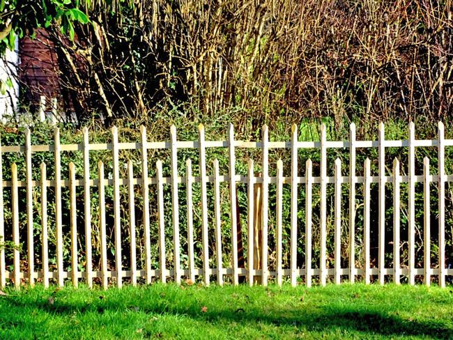 Barrière alternée - Idées Bois et Jardins